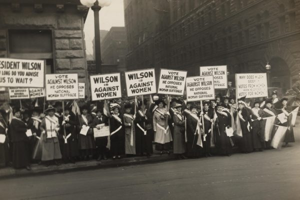 Suffragists Protest Woodrow Wilson's Opposition to Woman Suffrage, October 1916